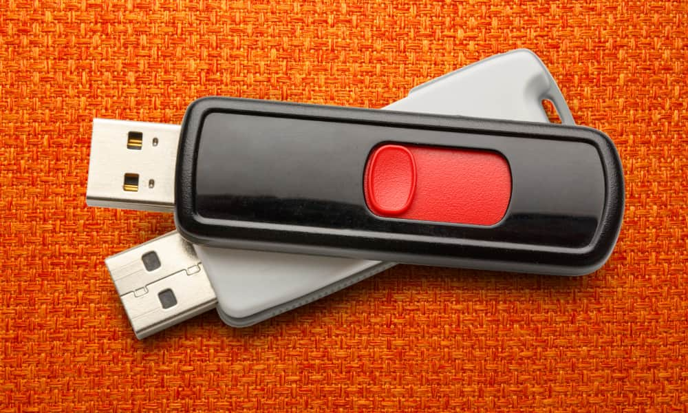 Two usb drives together