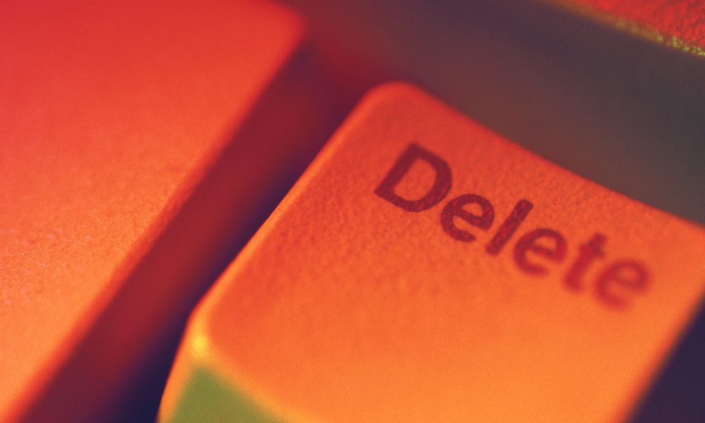 zoomed in picture of the delete button
