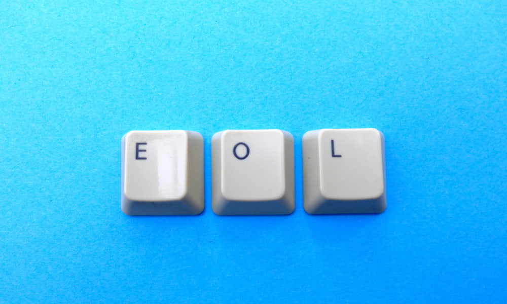 keys from keyboard that say EOL